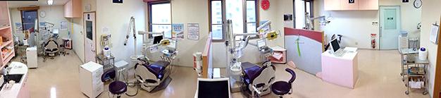 診察台は個室も含め、7台です。